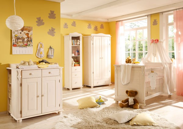 landhaus babyzimmer kinderzimmer lara kiefer wei massiv babyzimmer. Black Bedroom Furniture Sets. Home Design Ideas